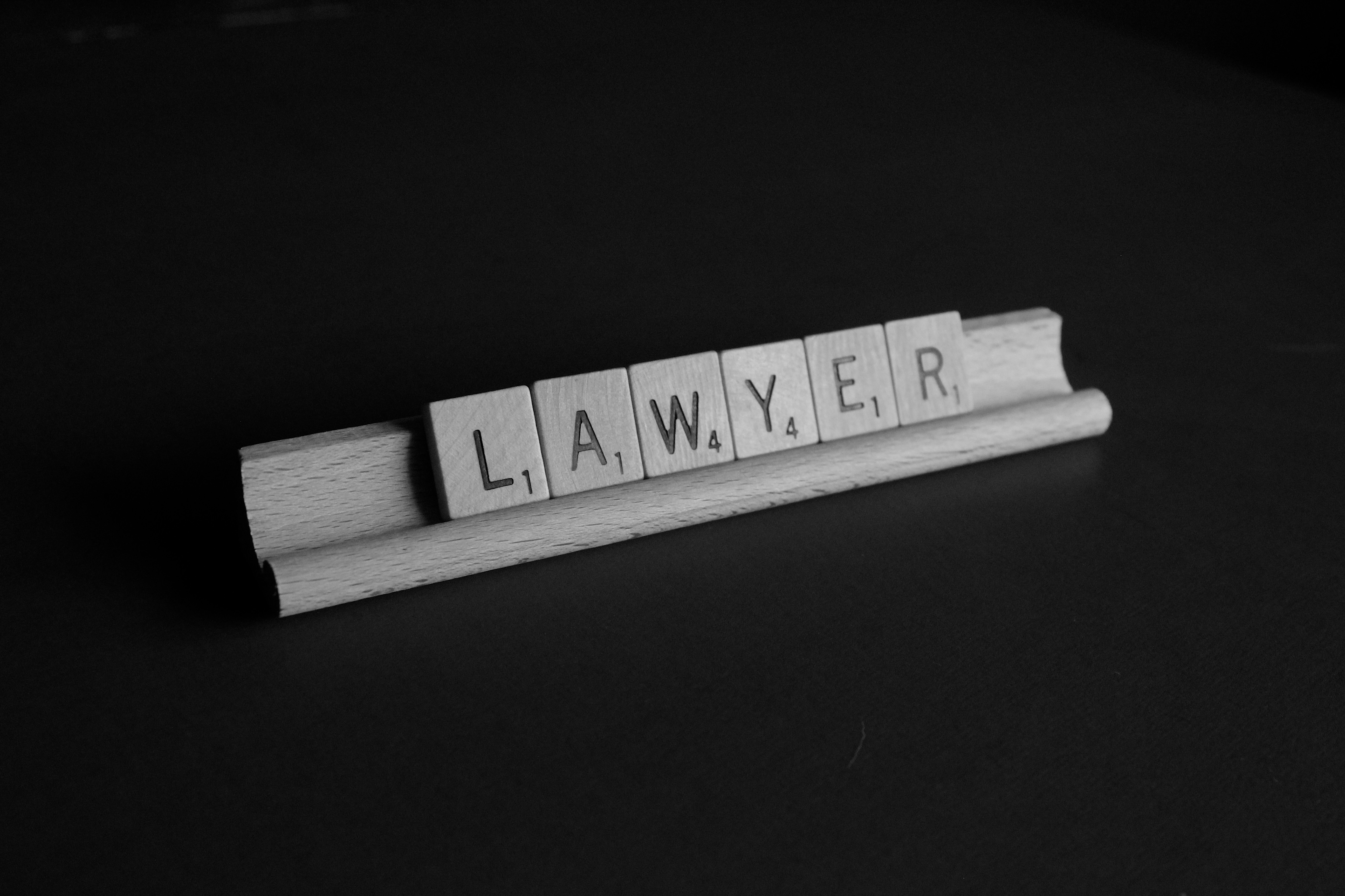 Why Law Firms Retain Millennials: The 4 Clauses.